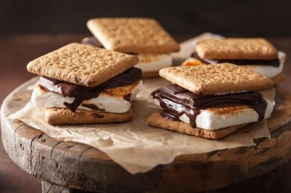 Marshmallow sandwiches