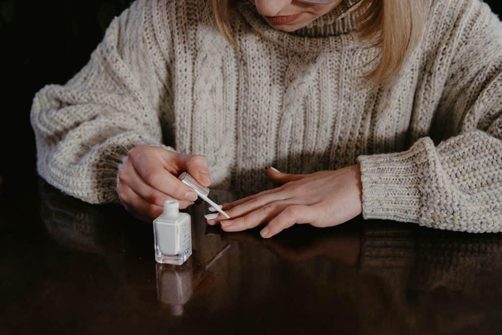 Self-manicure